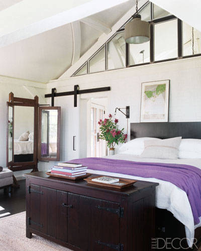 Elle Decor Celebrity Homes: Meg Ryan, Master Bedroom. Photographer: William Waldron