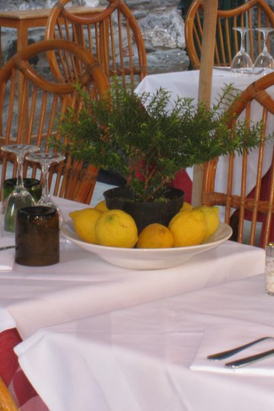 simple table arrangements