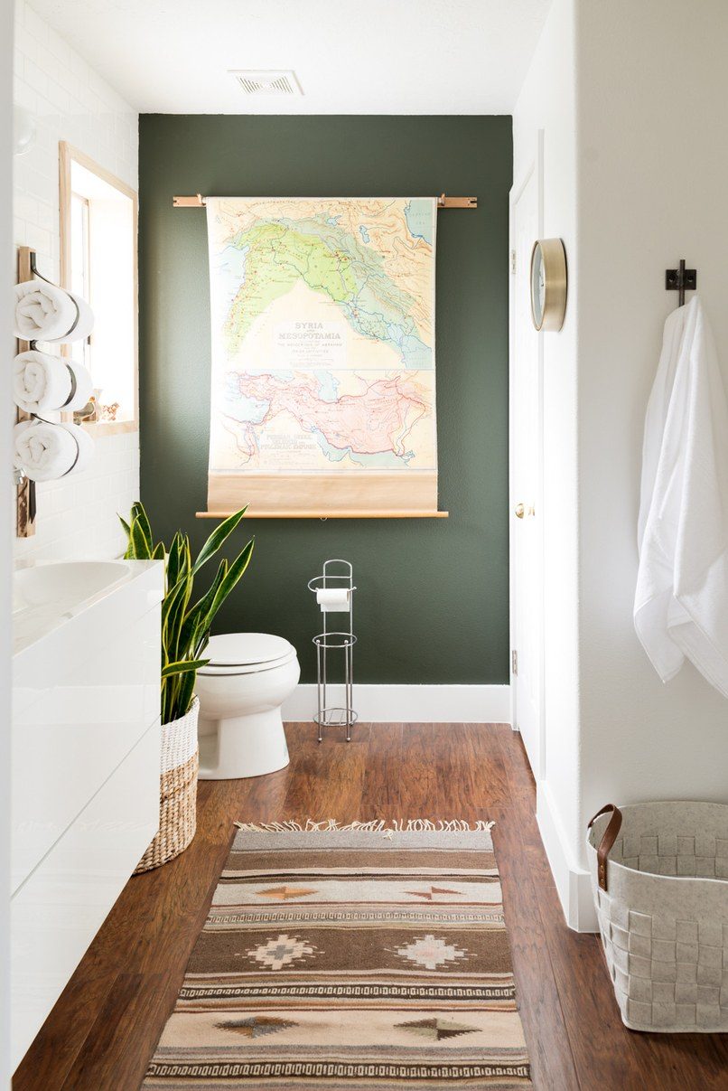 bathroom, colorful painted accent walls