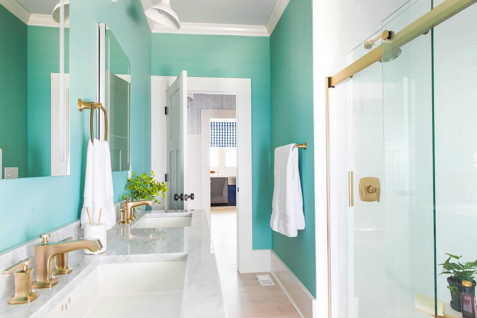 Spa-like bathroom, HGTV 2017 Urban Oasis Guest Bathroom
