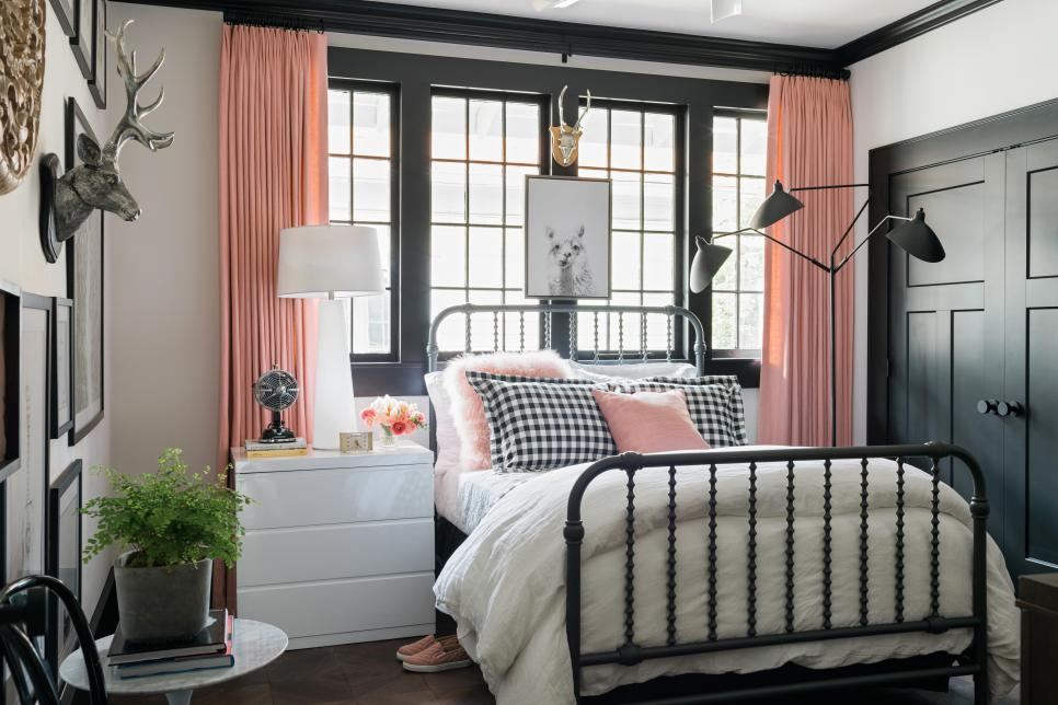 HGTV 2017 Urban Oasis Master Bedroom Paint Colors
