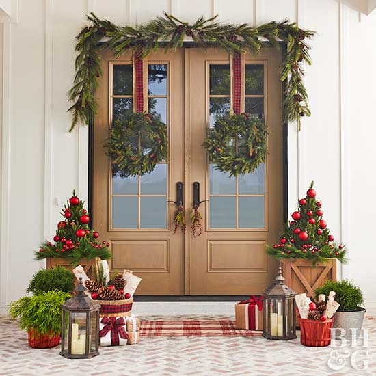 Christmas decorations, front door, outdoor spaces, holiday decorating