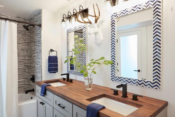 Spa-like bathroom, 2018 Paint Colors, Sherwin-Williams, HGTV Dream Home 2018